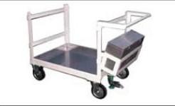 ステンレス板荷台に箱に載せ運搬する台車