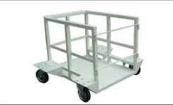 印刷用シリンダーを低い荷台に載せ運搬する台車